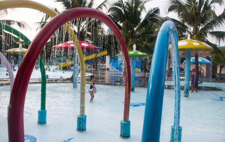 Important Tips To Keep Your Kids Safe At The Splash Pad