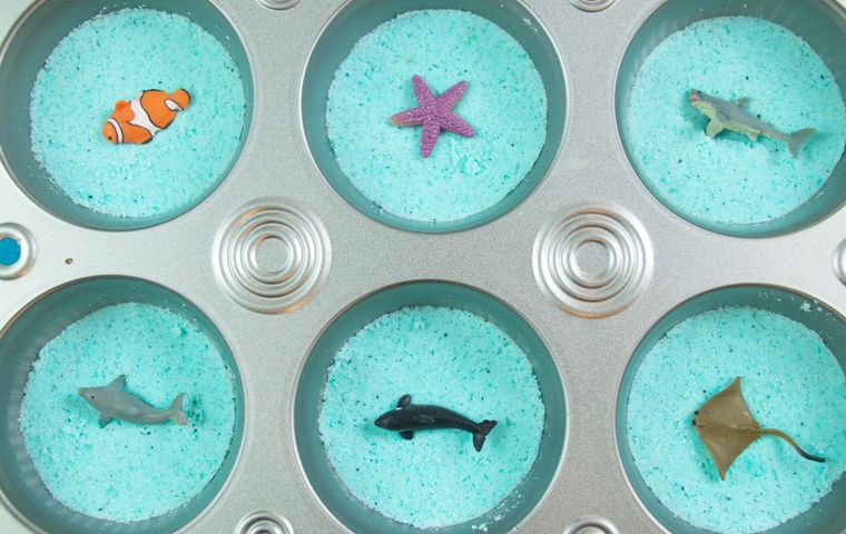 DIY: Easy Surprise Muffin Tin Bath Bombs