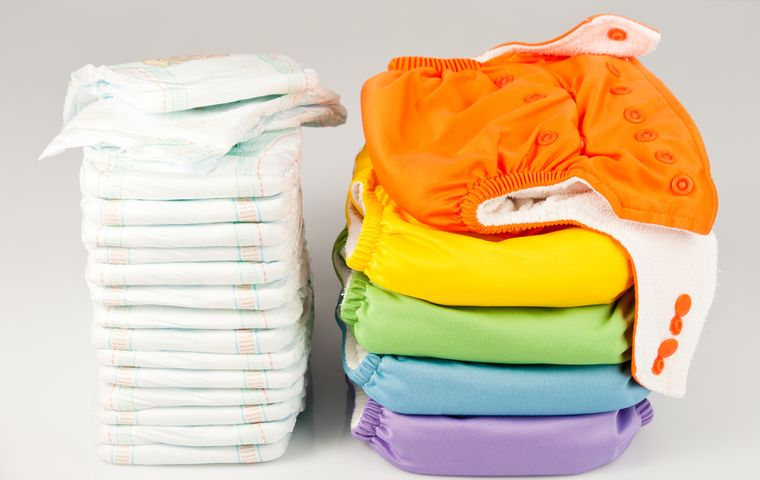 Cloth Diapers vs. Disposable Diapers: Which Is Right For Your Family?