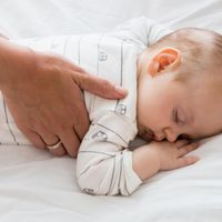 Tips To Help Successfully Sleep Train Your Baby